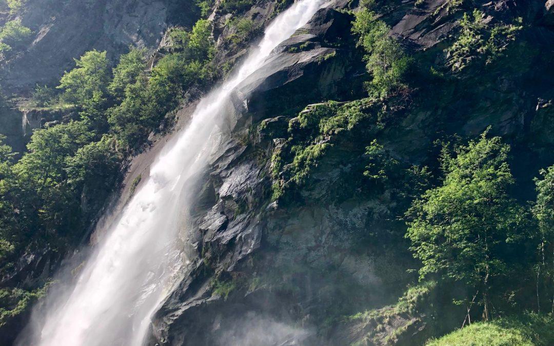 """Val Bavona: la storia delle """"terre"""", la magia della Natura"""